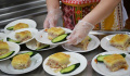 Жители Подмосковья поддержали идею контроля за питанием в школах