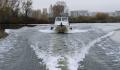 На Москве-реке появилось масляное пятно