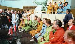"""Космический полет по программе """"Союз"""" – """"Аполлон"""""""