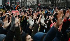 После незаконной акции в Москве 60 человек находятся в спецприемниках