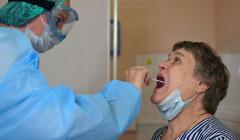 Московские частные клиники не планируют повышать цены на ПЦР-тесты